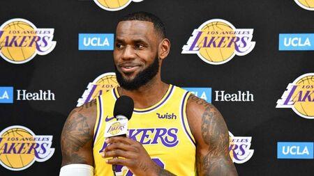 De acordo com a imprensa norte-americana, o favorito para suceder Luke Walton é Tyronn Lue, antigo técnico do Cleveland Cavaliers, onde foi campeão com LeBron James da NBA na temporada 2015/2016. Monty Williams, atual assistente técnico no Philadelphia 76