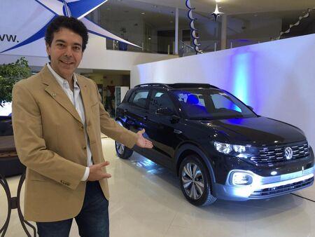 Cristiano Gionco, diretor do Grupo Autobel, ao lado do irmão menor do T-Cross