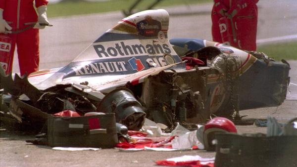 Senna morreu em um acidente no Autódromo Enzo e Dino Ferrari, em Ímola, durante o Grande Prêmio de San Marino de 1994