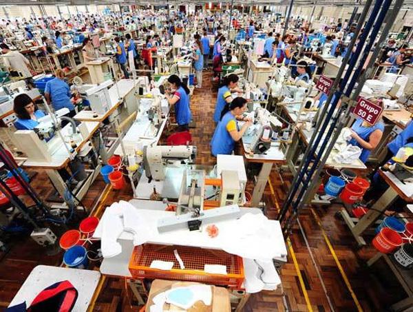 A indústria têxtil foi uma das pioneiras no processo de industrialização no Brasil
