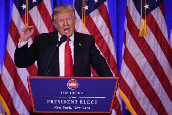 Na primeira entrevista desde que ganhou as eleições, transmitida ao vivo em rede nacional de televisão do seu escritório na Trump Tower, no centro de Nova York, o magnata considerou um absurdo as alegações