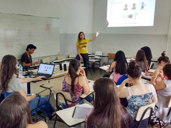 Durante toda a última semana, alunas do curso de Medicina da UFGD ministraram aulas em um cursinho preparatório voltado para estudantes do Ensino Médio de escolas públicas e particulares de Dourados