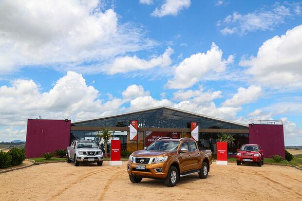 O modelo começa a ser vendido no país na versão mais completa, a LE, que é equipada com o novo e moderno motor diesel 2.3 com duplo turbo, de 190 cavalos. A Nova Nissan Frontier já chegou às concessionárias da marca em todo o Brasil por R$ 166.700