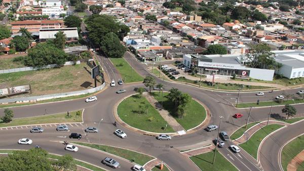 Rotatória da Via Parque com avenida Mato Grosso