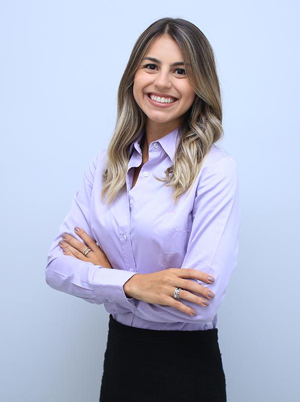 Carolina Di Lullo, advogada e especialista em direito bancário