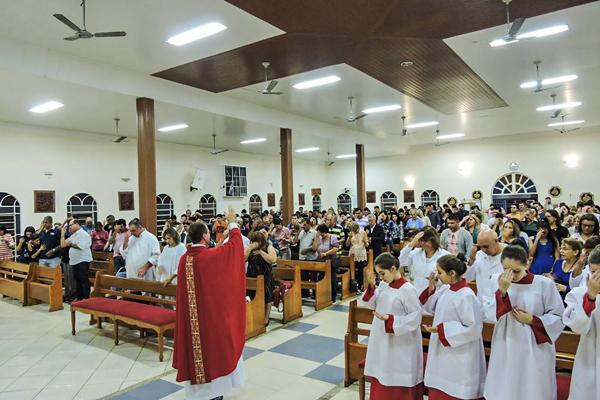 Além da tradicional procissão da Padroeira de Campo Grande, nesta quinta-feira, a igreja também realizará missas às 7h30, 11h e 19h