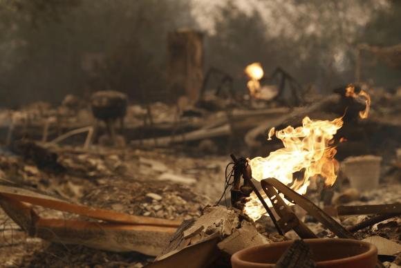 Os incêndios na Califórnia já arrasaram uma área de mais de 46,5 mil hectares