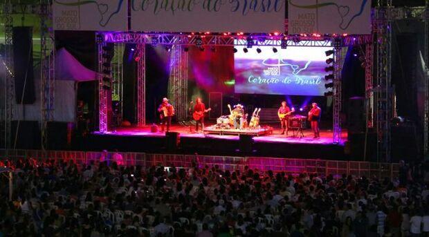 O momento foi de resgatar antigas canções e velhas amizades, na opinião do cantor Guarany