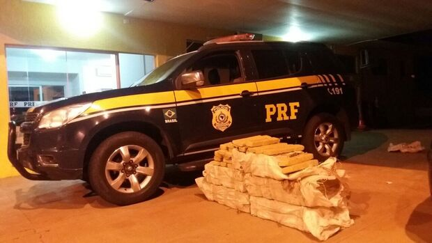 Maconha estava em veículo de São Carlos/SP