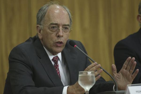 Vamos continuar trabalhando em parceria com Ministério Público, Receita Federal, Polícia Federal e demais autoridades para trazer de volta tudo, tudo o que foi desviado, disse o presidente da Petrobras, Pedro Pullen Parente em nota.