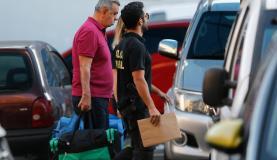 Rio de Janeiro - O presidente da Alerj, deputado Jorge Picciani, se entrega à Polícia Federal (PF) após ter prisão decretada (Fernando Frazão/Agência Brasil)