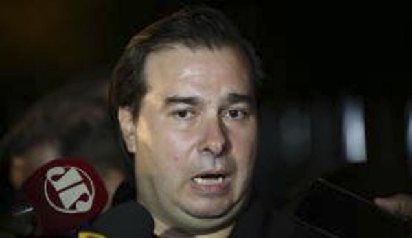 O presidente da Câmara, Rodrigo Maia, rejeita ir para uma votação com expectativa de derrota