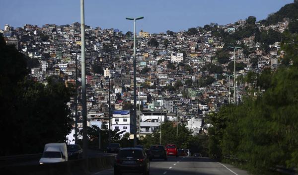 Moradores da Rocinha se sentem apreensivos diante da instabilidade no comando do tráfico de drogas na favela após a prisão de Rogério 157