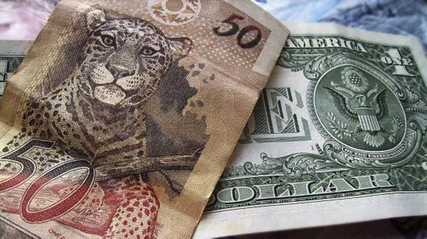 De olho no exterior, o BTG Pactual emitiu US$ 500 milhões em bônus de cinco anos a taxa de 5,625%, disseram fontes ao Broadcast, serviço de notícias em tempo real do Grupo Estado.