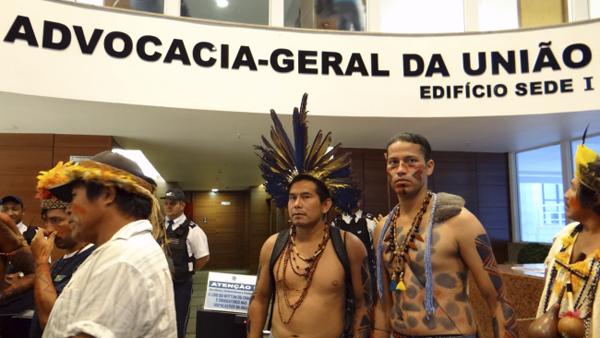 """""""Reivindicamos a revogação da portaria porque os ministros do STF foram taxativos na posição de que as condicionantes impostas a (Terra Indígena) Raposa Serra do Sol (Petição 3388) não se estendem para as demais terras indígenas do país"""", afirma Lindomar"""