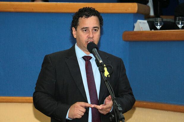 Vereador Delegado Wellington disse que emenda beneficiará não só aos mutuários inadimplentes, como também os adimplentes