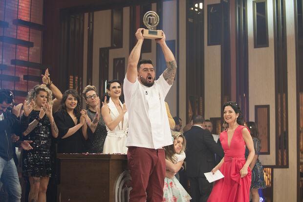 Pablo Oazense sobressaiu na cozinha foi Pablo, que faturou o troféu da competição, uma viagem para Dubai e mais R$ 200 mil, na noite desta terça-feira, 5, na Band.