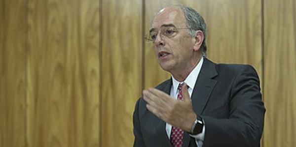 A Petrobras não se beneficiou de nenhum novo contrato, nenhuma nova obra, não teve nenhuma vantagem, somos a única vítima, analisou.