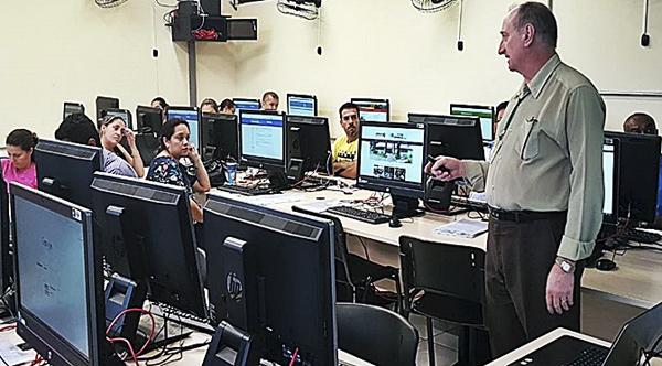 A rodada de Dourados conta com a participação de 35 servidores vindos de nove diferentes municípios.