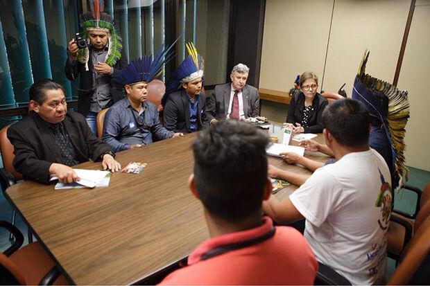 Reunião da deputada Tereza Cristina com lideranças indígenas