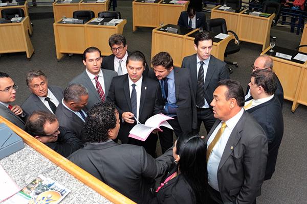 Os vereadores da Câmara Municipal de Campo Grande votam na sessão ordinária desta quinta-feira (7), o projeto da Lei Orçamentária Anual (LOA)