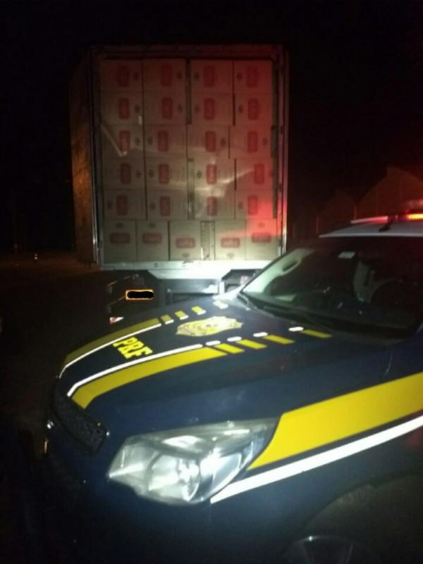 O homem, o caminhão e o cigarro foram encaminhados para a Polícia Federal em Campo Grande/MS.