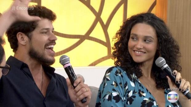 O ator também aproveitou para dançar inúmeras músicas no palco do programa, como Vai Malandra e Despacito