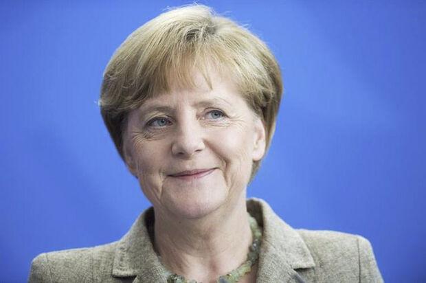 O SPD ainda precisa da aprovação de todo o partido para começarem as negociações efetivas e depois terão de votar em qualquer acordo que for fechado com o bloco conservador de Merkel