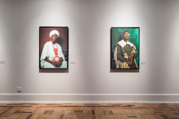 Em cartaz até 26 de março no CCBB do Rio de Janeiro, exposição Ex-África é composta por mais de 80 obras