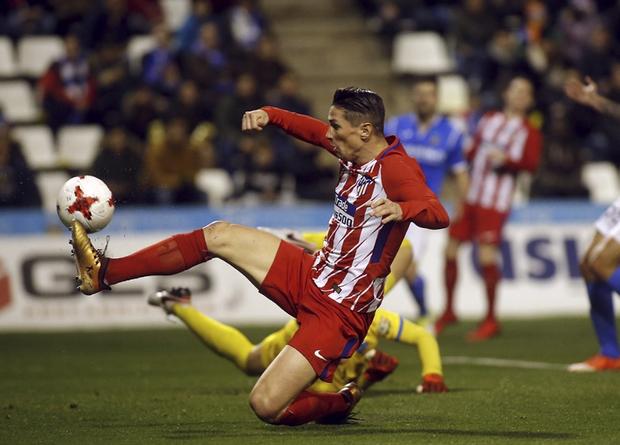Diego Costa era o centro das atenções nesta quarta-feira