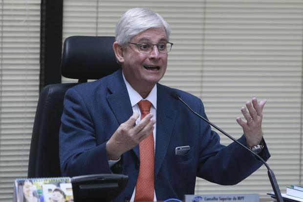 Sigamos atentos!, completou o procurador que, em 2017, disparou 'flechadas históricas' contra deputados, senadores, ex-governadores e até o presidente Michel Temer
