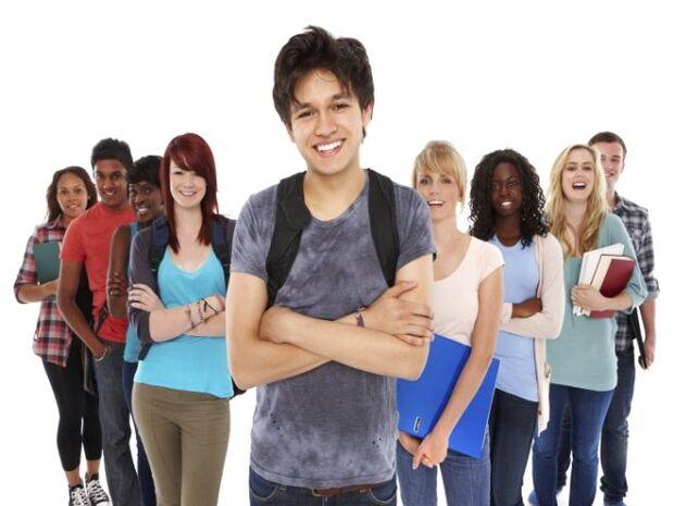 Podem participar do processo seletivo estudantes regularmente matriculados no curso de Direito