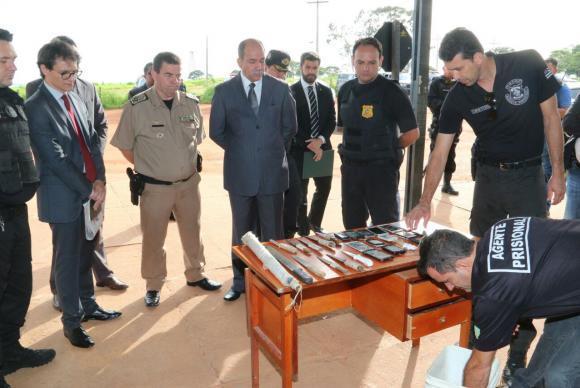 Em nova inspeção, policiais encontram armas, celulares e drogas no Complexo Prisional de Aparecida de Goiânia