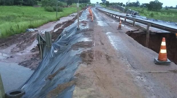 A rodovia passa atualmente por trabalhos de recapeamento em 60,2 km de extensão, com investimentos da ordem de R$ 43,6 milhões de recursos próprios do Governo