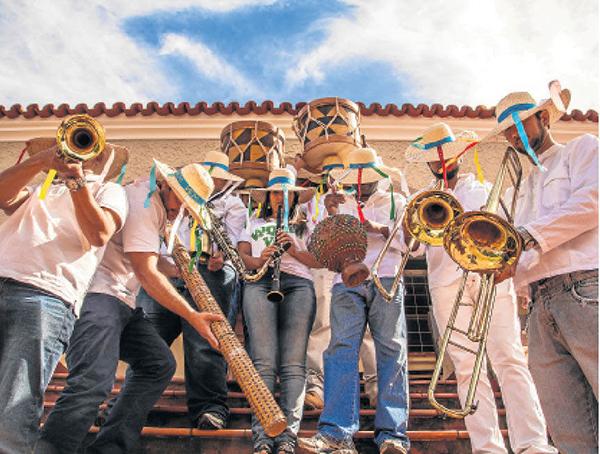 Orquestra Vai Quem Vem tem oficinas de percussão