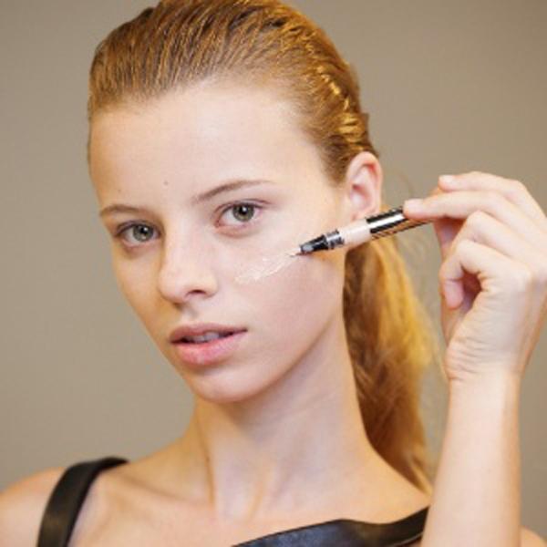 A base é um dos itens mais importantes em uma maquiagem.