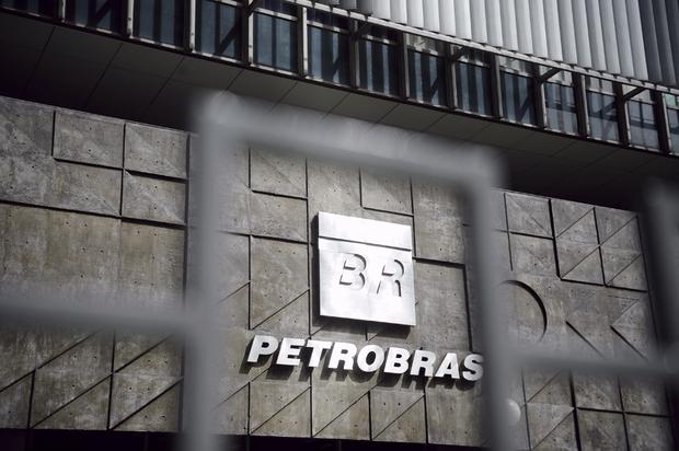 No Brasil, a morosidade do Judiciário e a burocracia favorecem a postura de esperar