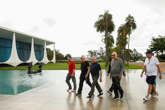 Presidente da República, Michel Temer, durante caminhada na manhã de domingo