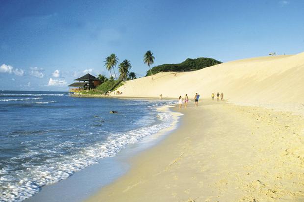 Quando vira o calendário, a maioria dos brasileiros já sai em disparada para contar os feriados à vista e, claro, as oportunidades de viagens que o ano novo trará, nas emendas prolongadas