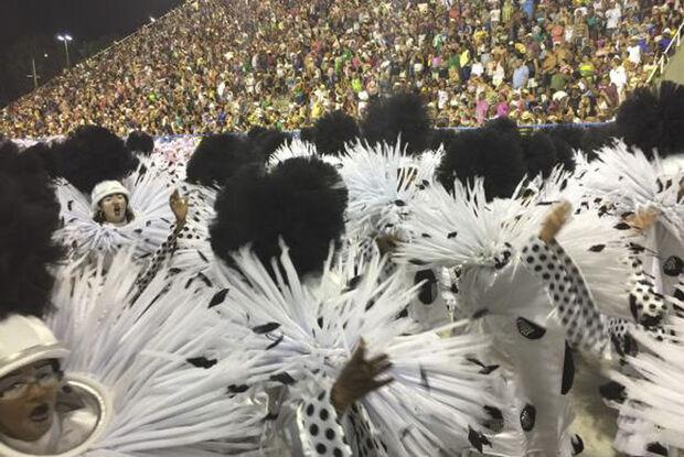 O presidente da Liga Independente das Escolas de Samba do Rio de Janeiro (Liesa), Jorge Castanheira, disse que o carnaval de 2018, apesar da falta de apoio financeiro da prefeitura carioca, foi espetacular