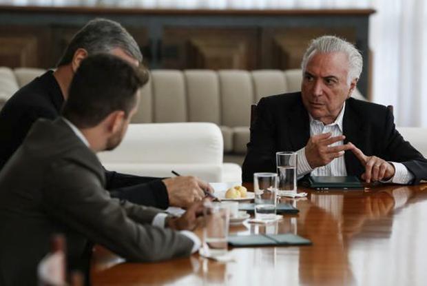 O presidente Michel Temer se reúne com ministros no Palácio da Alvorada para discutir medidas relativas à situação de venezuelanos em Roraima