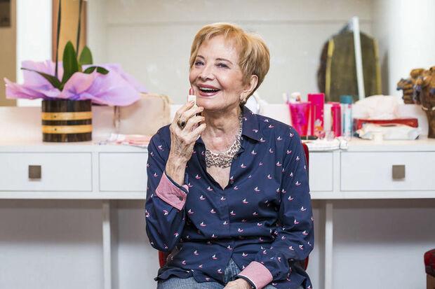 A última participação da atriz em uma produção da emissora foi na novela Totalmente Demais, em 2015, na qual fez o papel de Stelinha