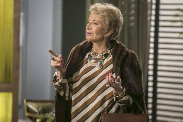 Seu último personagem na televisão foi Stelinha Carneiro de Alcântara na novela Totalmente Demais