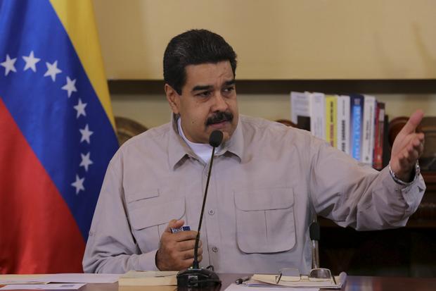 Maduro ainda aproveitou a coletiva para responder às ameaças dos Estados Unidos de impor um embargo petroleiro à Venezuela, dizendo que isso custaria a carreira política de Donald Trump