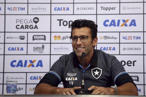 Valentim acertou o vínculo de dois anos com o Botafogo