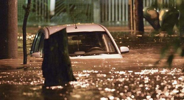 O Estágio de Crise é o terceiro nível em uma escala de três e significa chuva forte, podendo provocar alagamentos e deslizamentos de terra