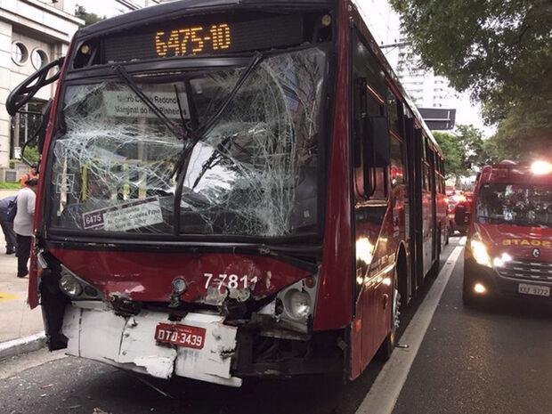 Quinze pessoas ficaram feridas