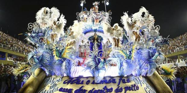 A chamada farra dos guardanapos, episódio do esquema de corrupção do ex-governador do Rio Sérgio Cabral (MDB), foi encenada