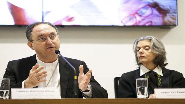 Aos jornalistas, o presidente da CNBB também comentou sobre as reformas assumidas pelo governo federal
