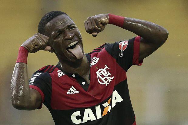 Ao festejar no último final de semana, o jovem atacante fez o gesto do chororô, em alusão ao fato de que o Botafogo ganhou a fama de time chorão